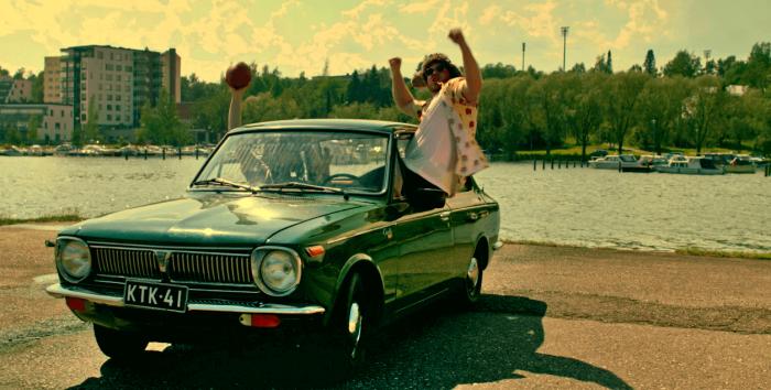 Musiikkivideossa esiintyvät Timi Lexikon ja Niko Nova