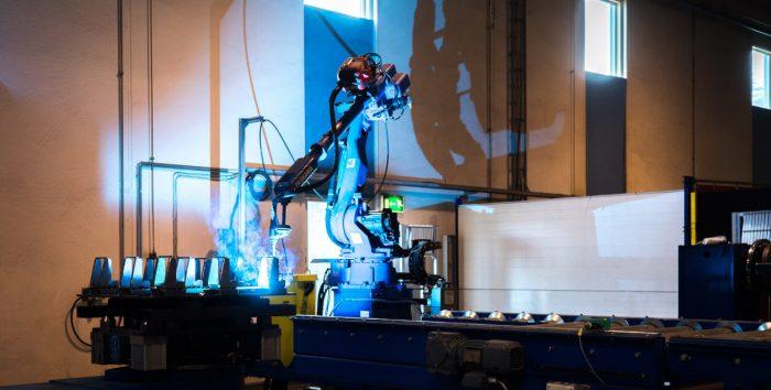 Robottihitsaus kuuluu KKR Steel Oy:n palveluihin
